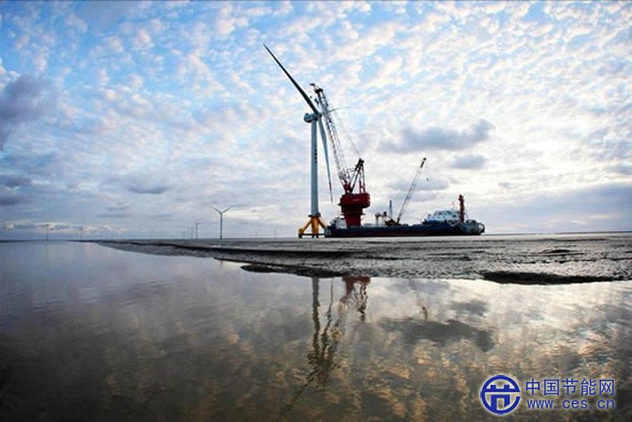 江苏如东大型海上风电机